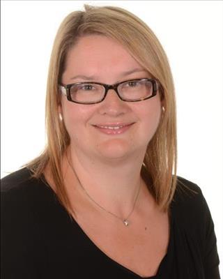 picture of Gwen MacIntyre